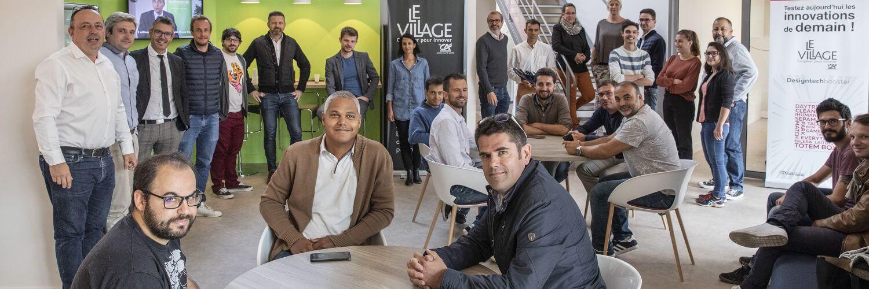LOCAM devient partenaire du village by CA. La photo mntre les membres du village by CA